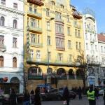 ヤン・レツルが設計し1889年に建設された、ヴァーツラフ広場にあるグランド・ホテル・ヨーロッパ。
